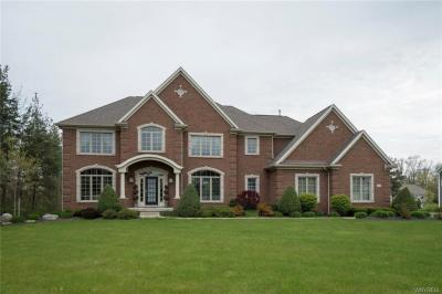 Photo of 8 Sandpiper Court, Orchard Park, NY 14127