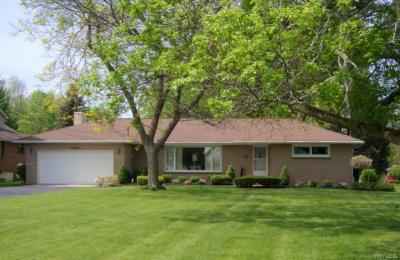 Photo of 4342 East River Road, Grand Island, NY 14072