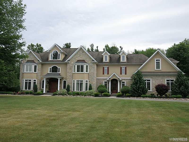 6585 Meghan Rose Way, Clarence, NY 14051