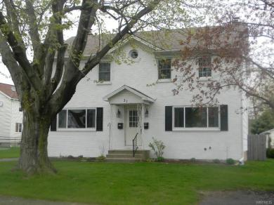 31 Farmingdale Road, Cheektowaga, NY 14225
