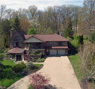 Photo of 2520 East River Road, Grand Island, NY 14072
