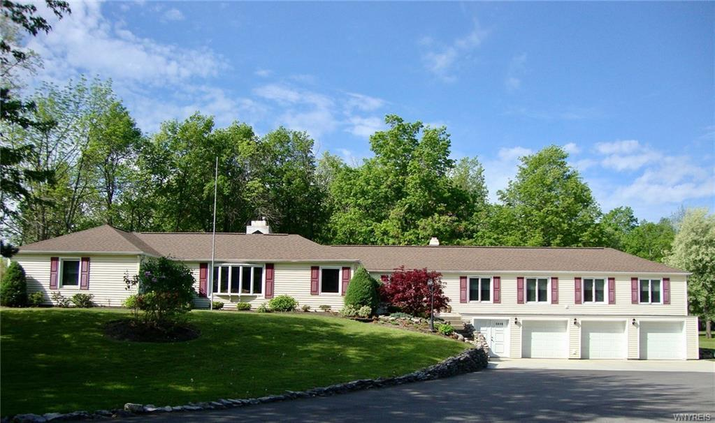 5016 Old Goodrich Road Road, Clarence, NY 14031