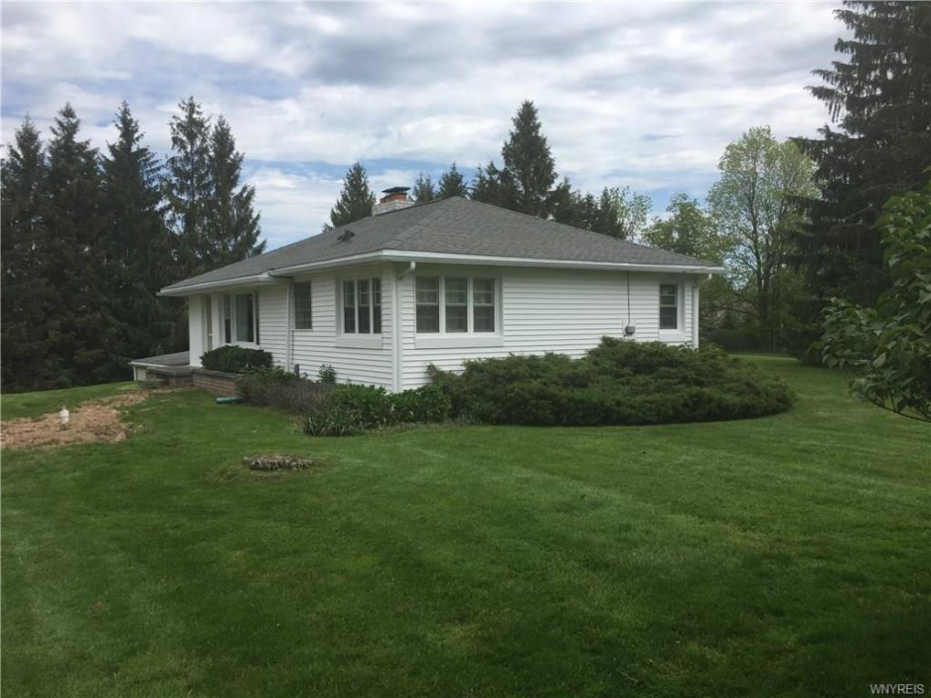 5175 Brookfield Lane, Clarence, NY 14031