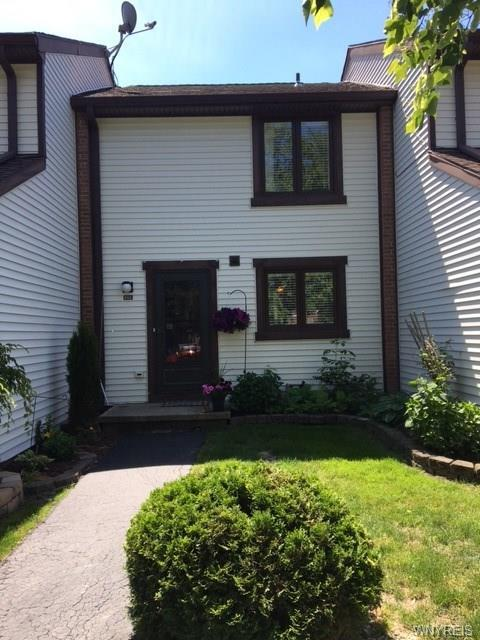 653 Charles Gate Circle, Amherst, NY 14051