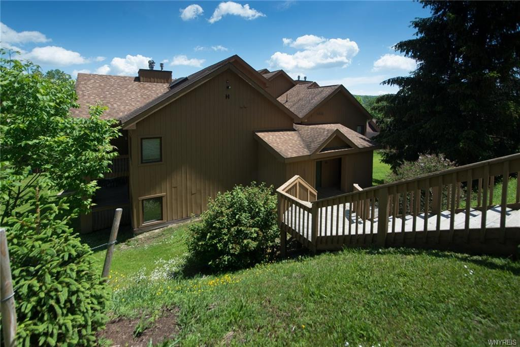 H104 Snowpine Village 5915 #H104, Great Valley, NY 14741