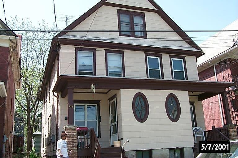 438 8th Street, Niagara Falls, NY 14301