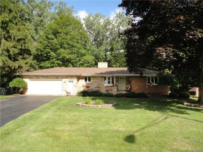 Photo of 12 Creekside Drive, Orchard Park, NY 14127