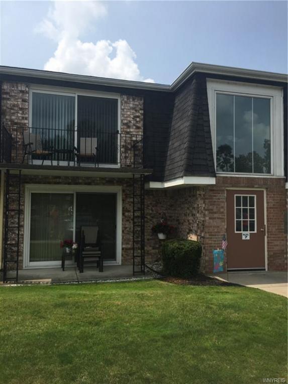 82B Foxberry Drive, Amherst, NY 14068
