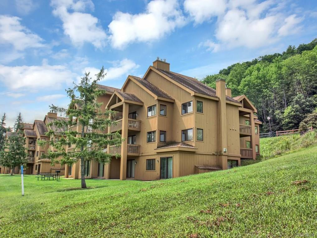 F103 Snowpine Village, Great Valley, NY 14741