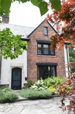 Photo of 8 Mayfair Lane, Buffalo, NY 14201