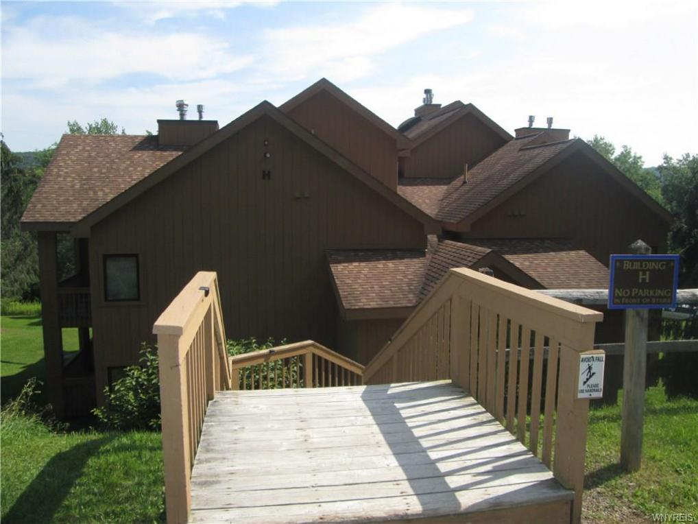 H202 Snowpine Village 5915, Great Valley, NY 14731