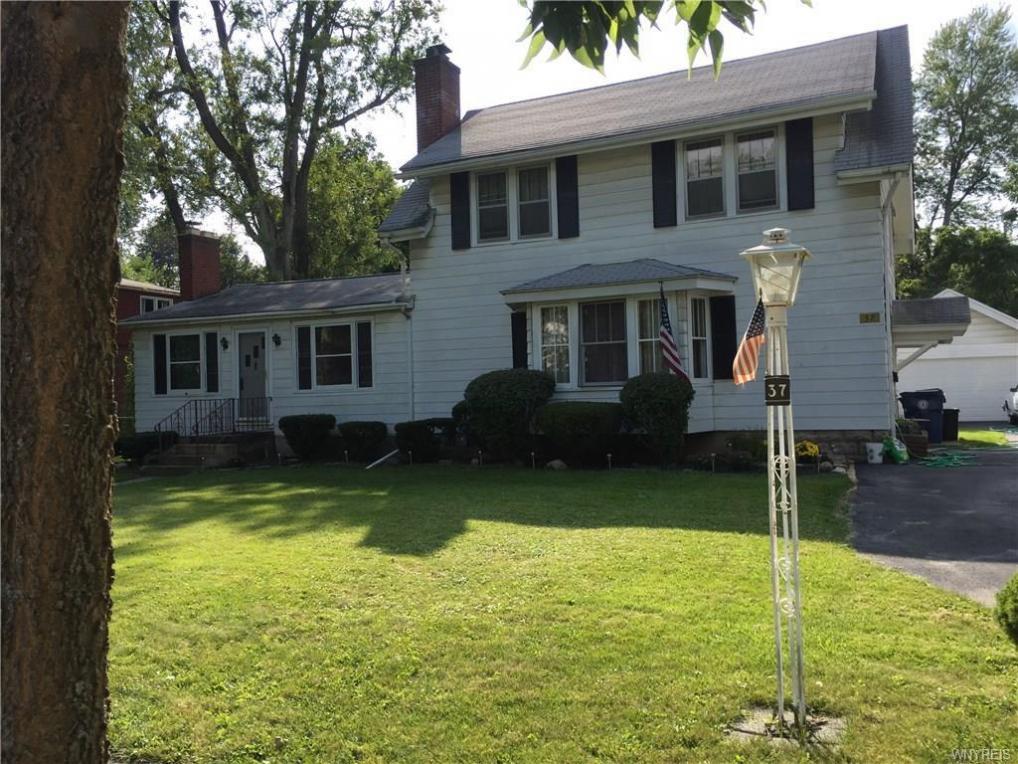 37 Arlington Road, Amherst, NY 14221