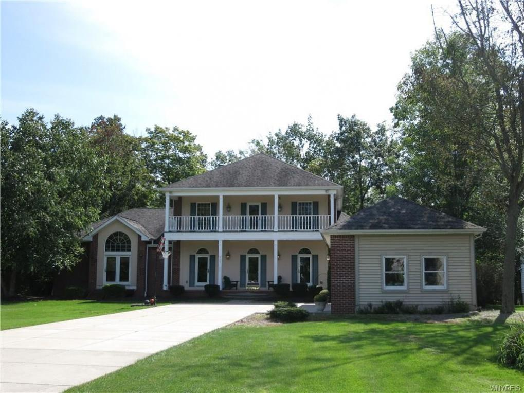 207 Forest Creek Lane, Grand Island, NY 14072