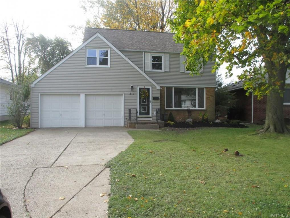 211 Bentham Parkway East, Amherst, NY 14226