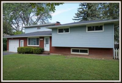 Photo of 7714 Sunnydale Drive, Niagara, NY 14304