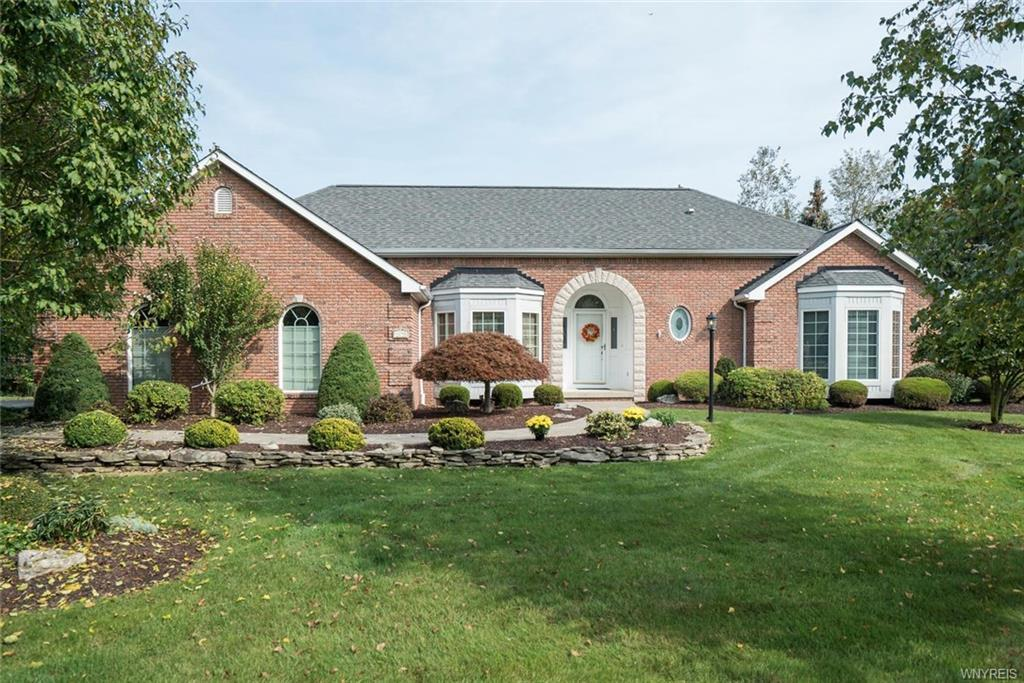 8290 Manchester Park Drive, Clarence, NY 14051