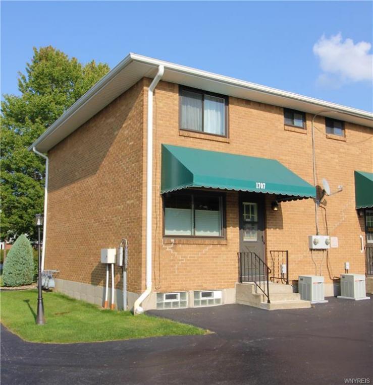1707 Orchard Park Road, West Seneca, NY 14224