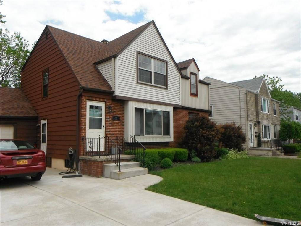 32 Layton Avenue, Amherst, NY 14226