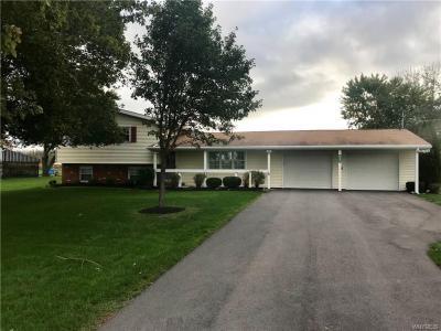 Photo of 6805 Shawnee Road, Wheatfield, NY 14120
