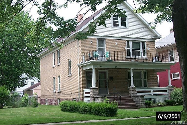 2241 Pierce Avenue, Niagara Falls, NY 14301