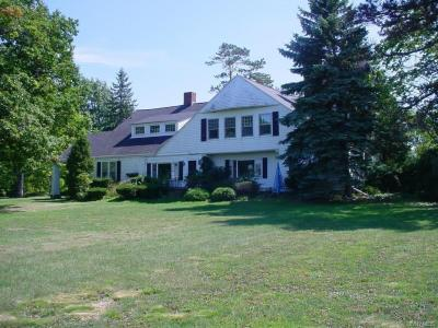 Photo of 4325 Lake Shore Road, Hamburg, NY 14075