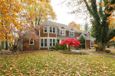 Photo of 44 Hidden Pines Court, Amherst, NY 14051