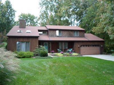 Photo of 5040 East River Road, Grand Island, NY 14072