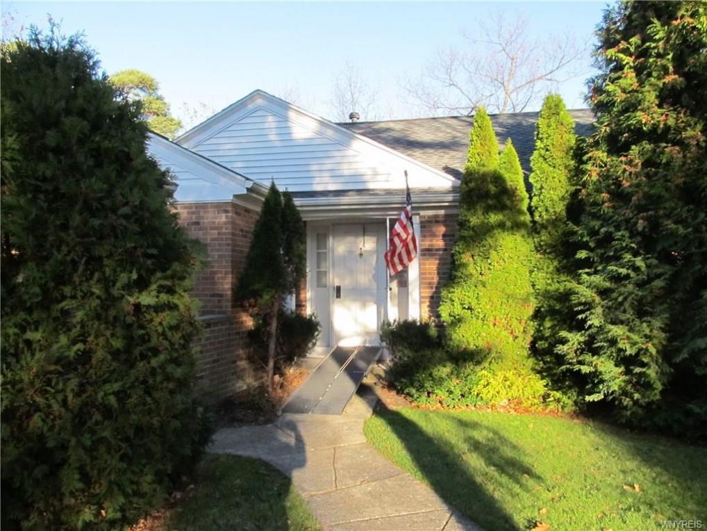 1701 Briaridge Lane, Evans, NY 14047