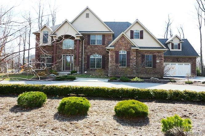 9705 Stonecliff Court, Clarence, NY 14031