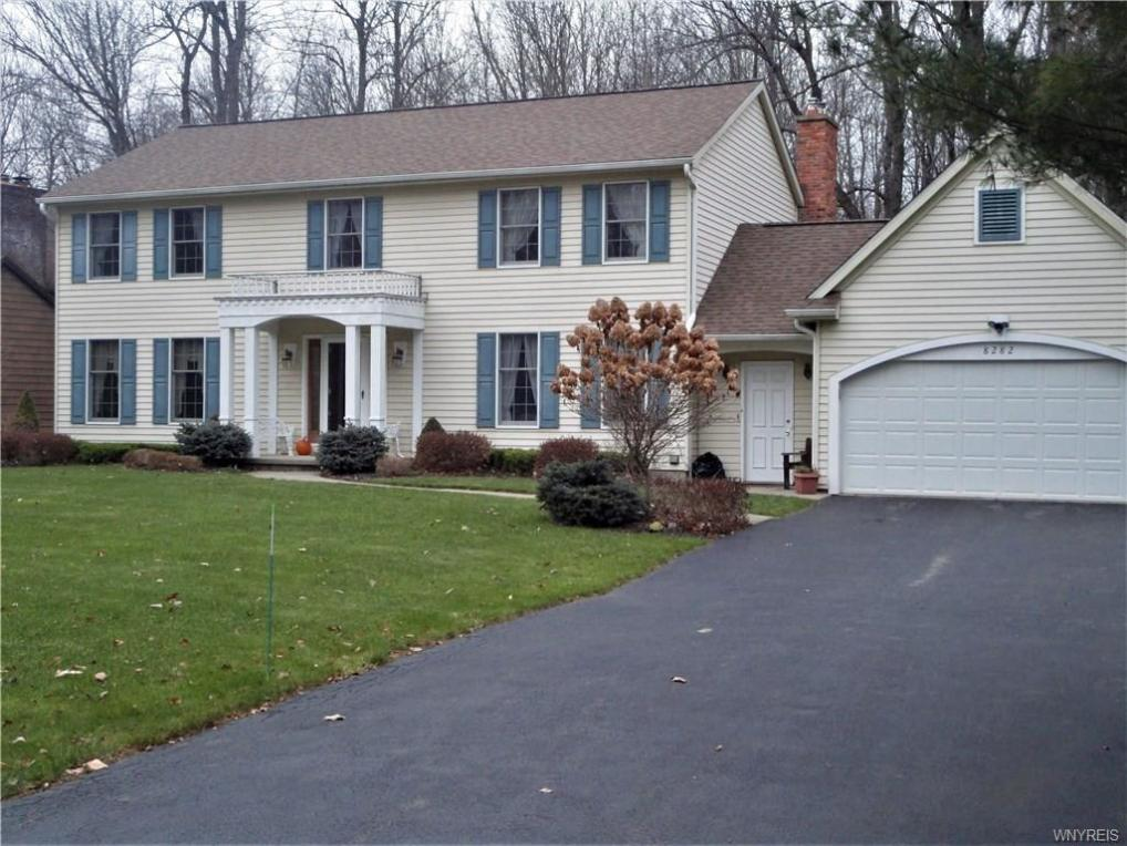 8282 Old Post Road East, Clarence, NY 14051