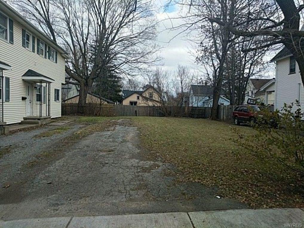 21 Hutchins Street, Batavia City, NY 14020