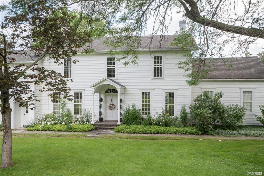 7884 Quaker Road, Orchard Park, NY 14127