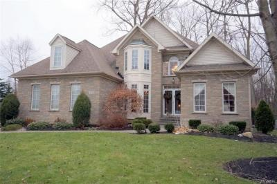 Photo of 105 Landings Drive, Amherst, NY 14228