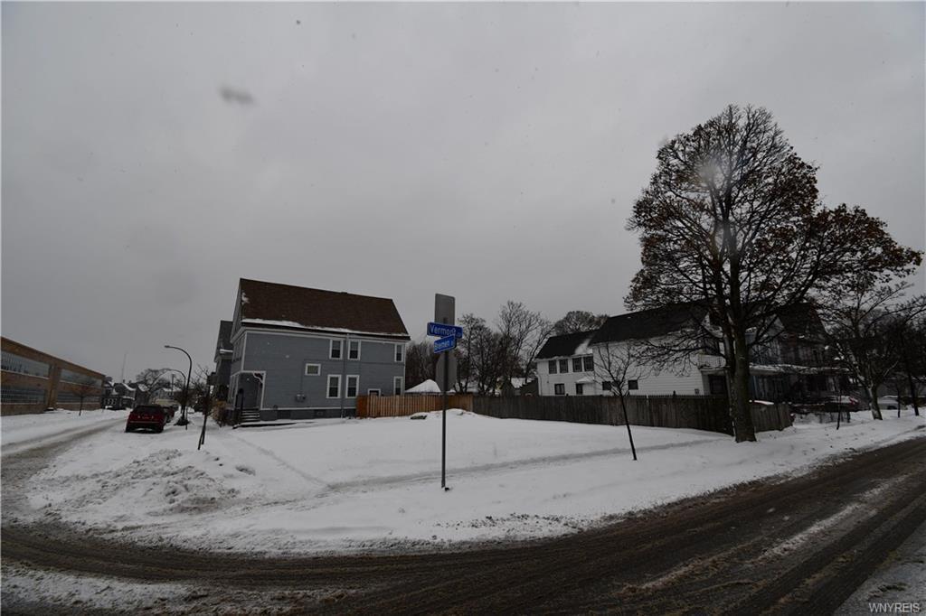 386 Vermont Street, Buffalo, NY 14213