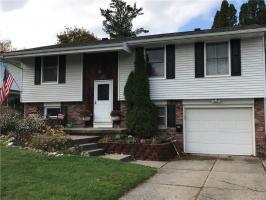 48 Reynolds Road, West Seneca, NY 14224