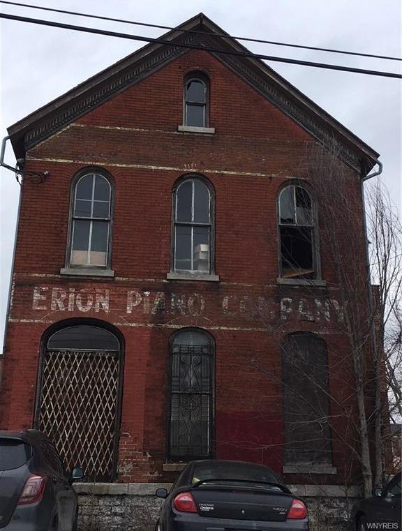 301 Emslie Street, Buffalo, NY 14206