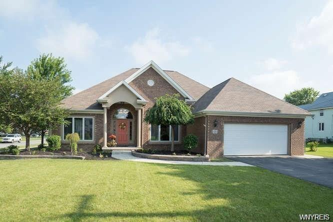 826 East And West Road, West Seneca, NY 14224