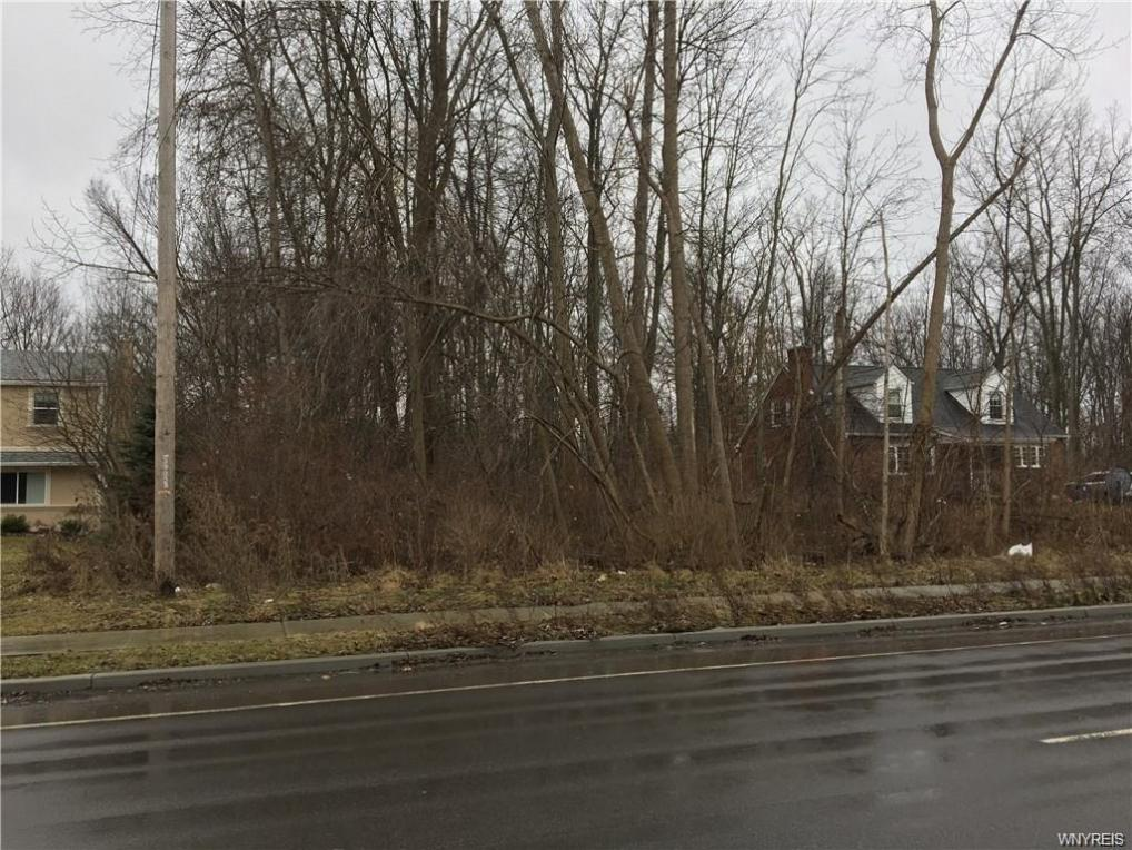 3895 East Robinson Road, Amherst, NY 14228