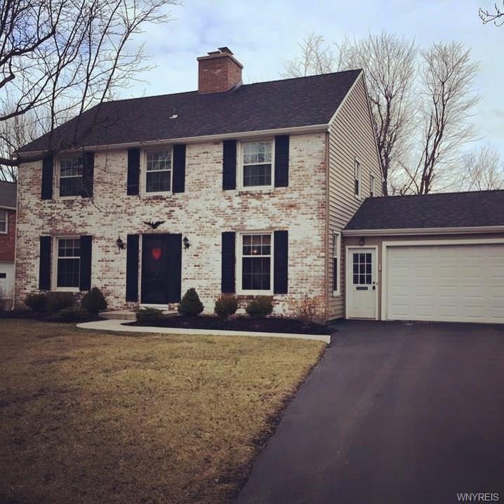 28 Thomas Jefferson Lane, Amherst, NY 14226