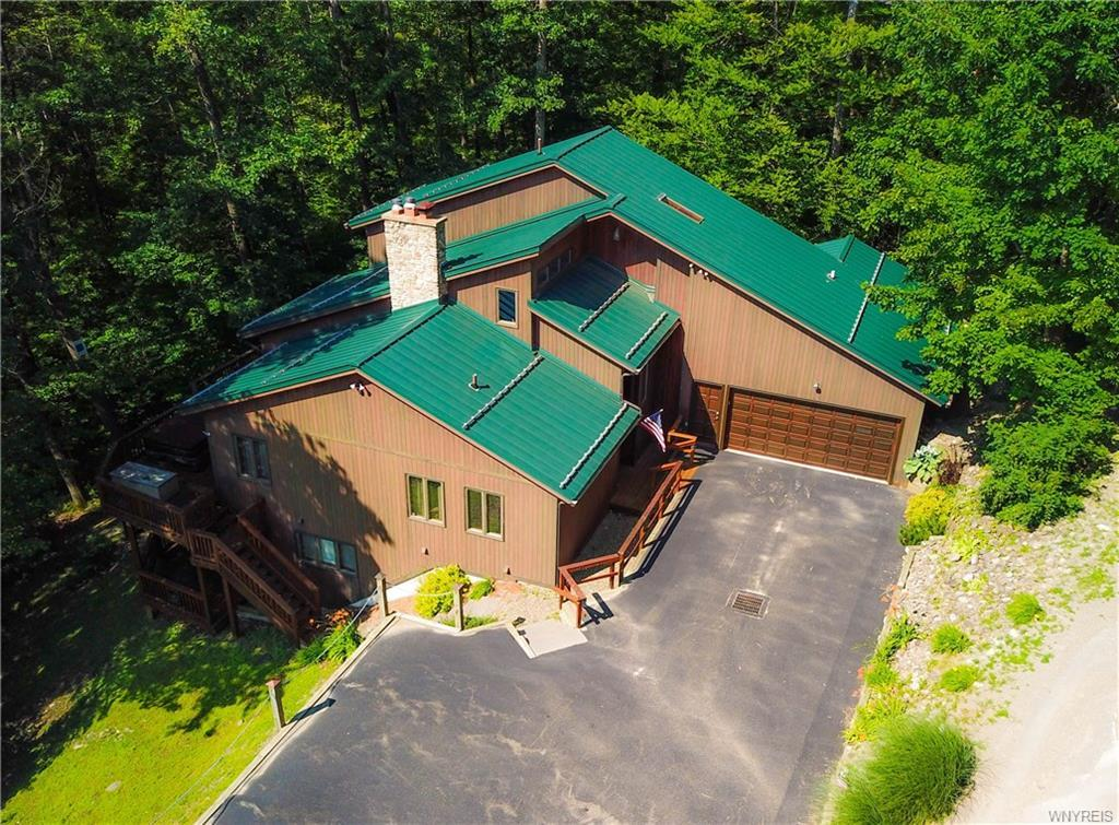 6827 Holiday Valley Road, Ellicottville, NY 14731