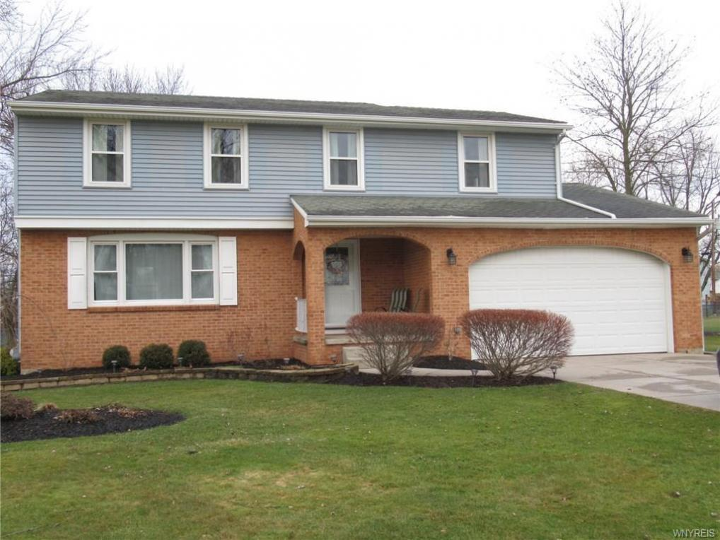 348 Colonial Drive, Grand Island, NY 14072