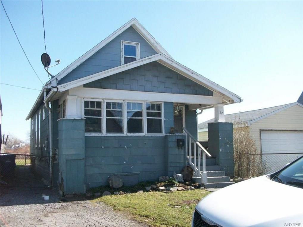 27 Melvin Place, Buffalo, NY 14210