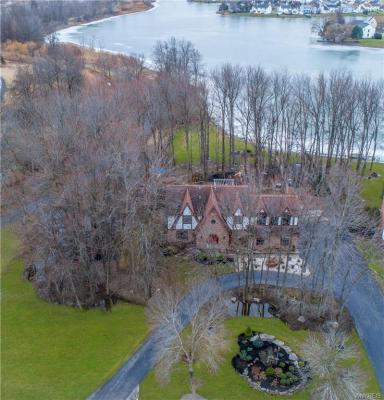 Photo of 627 South Ellicott Creek Road, Amherst, NY 14228