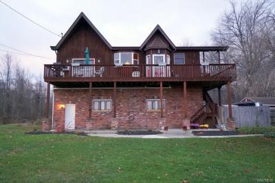 Photo of 4144 East River Road, Grand Island, NY 14072