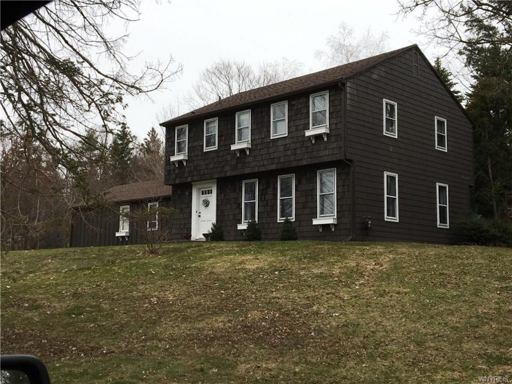 8 Timberlake Drive, Orchard Park, NY 14127