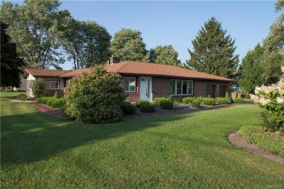 Photo of 1580 Como Park Boulevard, Cheektowaga, NY 14043
