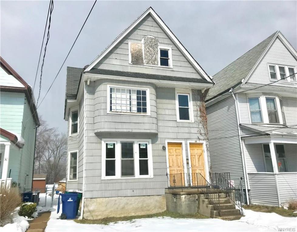 32 Leamington Place, Buffalo, NY 14210