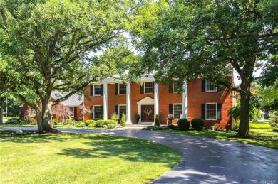 10070 Pineledge Drive East, Clarence, NY 14031