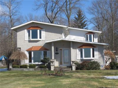 Photo of 3453 West River Road, Grand Island, NY 14072