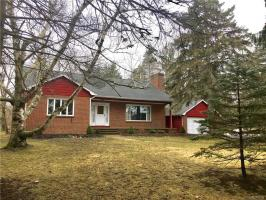 10525 Greiner Road, Clarence, NY 14031